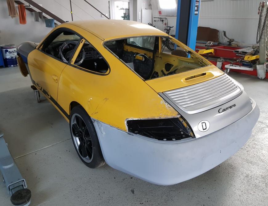 Príprava Porsche na lakovanie