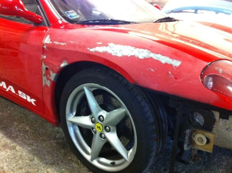 Oprava Ferrari - hliníková karoséria