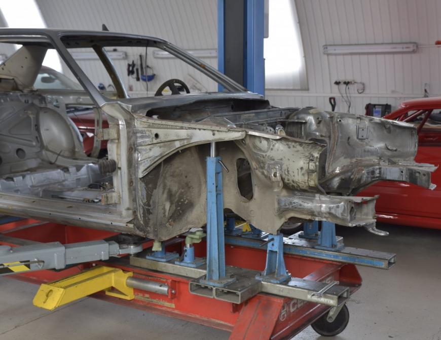 Audi S1 - Osadenie na rovnaciu stolicu