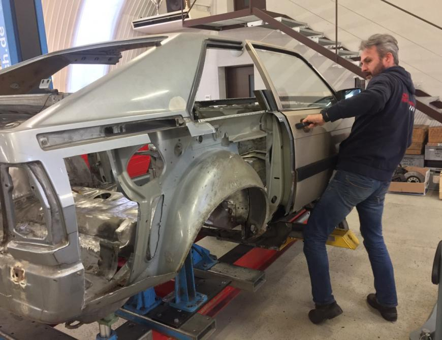 Audi S1 - Montáž dverí